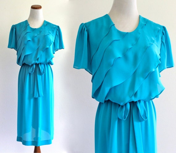 tEaL bLue  inDie ChiFFon TieRed RuffLe sHeeR SecreTarY bLouSon sLouCh DollY DreSs with Belt. large . XL . D119