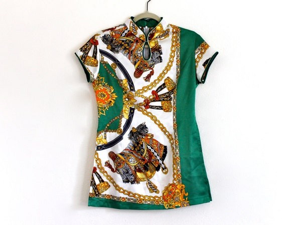 80s Asian Gaudy Chinese Mandarin collar Novelty Ethnic Satin Shirt Blouse Top Tunic . SM . D201