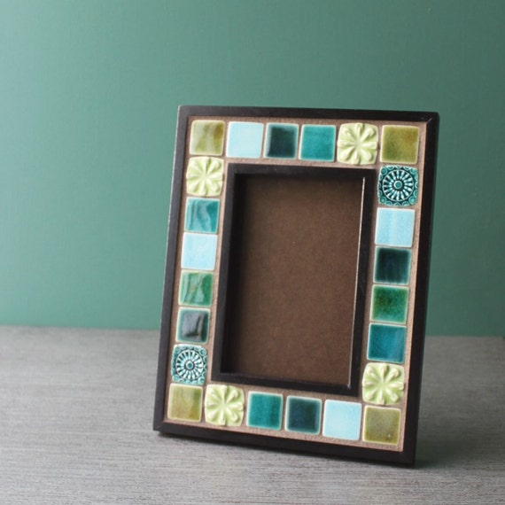 wood and porcelain photo frame