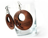 Wood brown flower carved circular dangle earrings