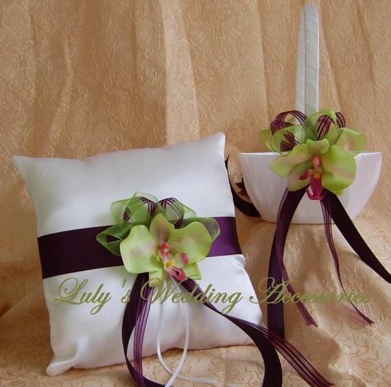 Eggplant Color Schemes: Eggplant / Aubergine And Pistachio Wedding Color Scheme