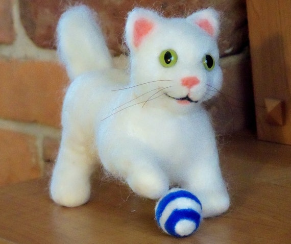 Needle Felted Animals White Cat Kitten with Ball