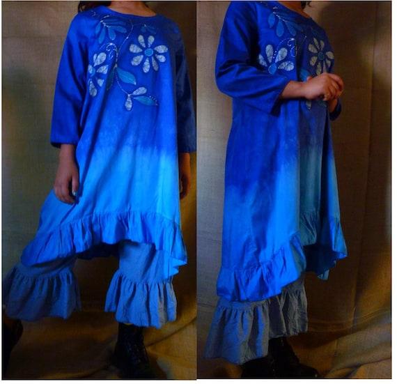 The Griot's shirt  in blue batik floral  design in ORGANIC cotton sz S to plus sizes