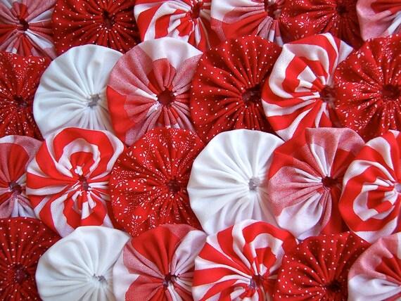 25 RED WHITE  Fabric 2 Inch Yo Yo Quilting Block Trim Applique