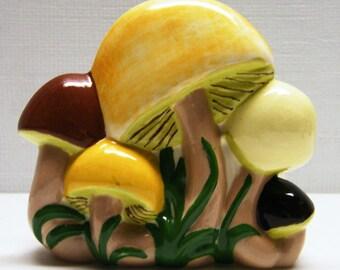 Mushroom Napkin Holder - Vintage 1976 Ceramic