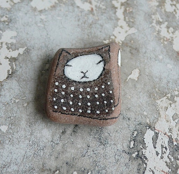 Brown Dotted Beach Pottery Cat