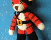 PDF - Puss in boots - 11 inches / 28 cm amigurumi doll . Downloadable crochet pattern
