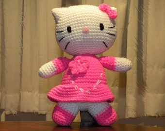 PDF - Kitty - 10.8 inches / 27 cm - amigurumi doll crochet pattern available in English or Spanish