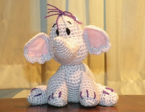 PDF - Heffalump Lumpy the elephant friend of Winnie the Pooh - 8 inches amigurumi doll crochet pattern. Available in English or Spanish language