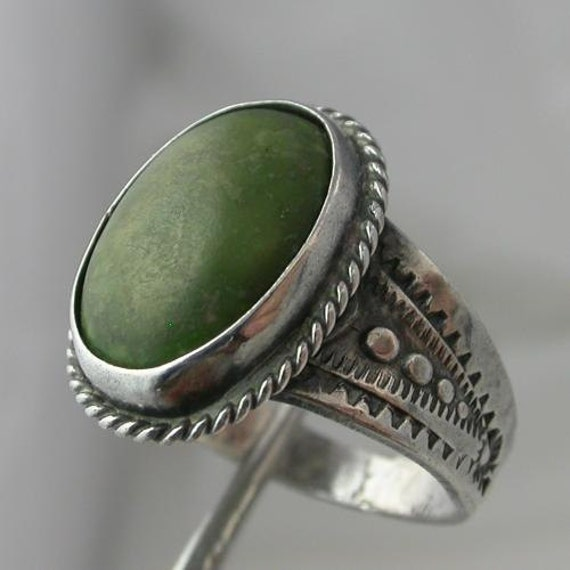 Sterling Silver Oval Jade Cabachon Size 7.75 to 8 Decorated Ring Vintage 925