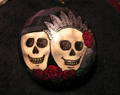Gothic Bride and Groom Skull-Til Death Do Us Part Ornament (Item number 514)
