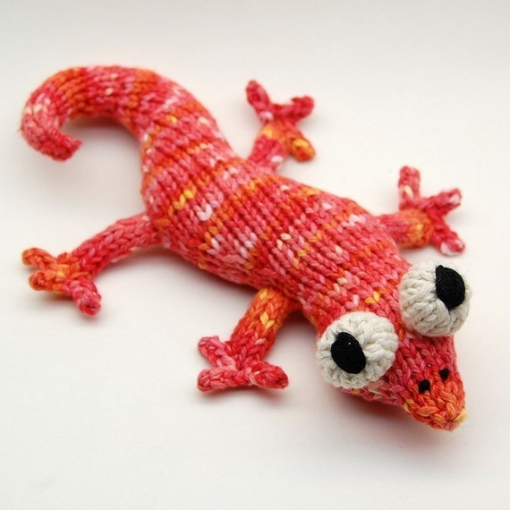 Knitting Patterns Plush Toys : Eddie Lizzard Amigurumi Plush Toy Knitting Pattern by cheezombie