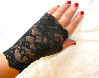 Sheer Delicate Black Floral Scalloped Stretch Lace Fingerless Gloves Arm Warmers