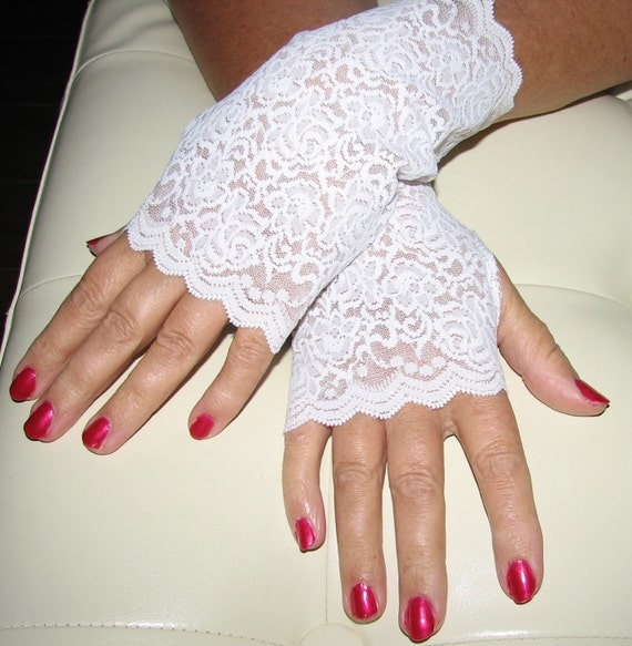 Wedding White Delicate Lace Fingerless Gloves Arm Warmers Fairy Princess