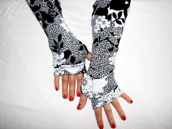 Paisley White and BLack Lightweight Fingerless Gloves Arm Warmers