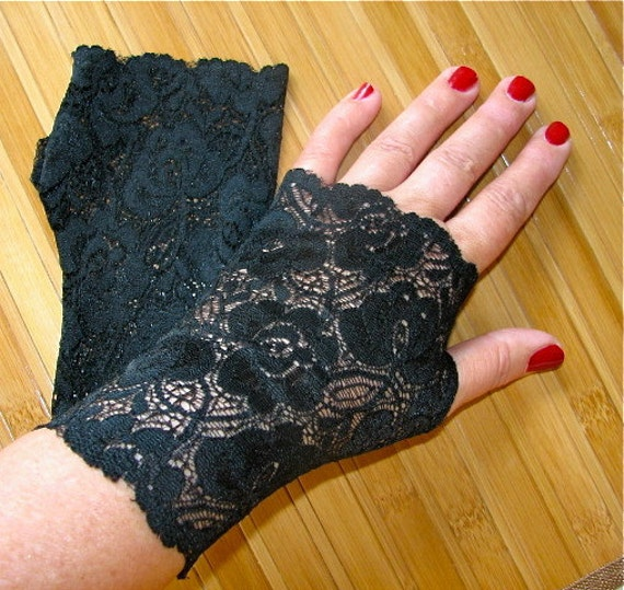 Sheer Delicate Black Floral Scalloped Stretch Lace Fingerless Gloves Arm Warmers XSmall Only
