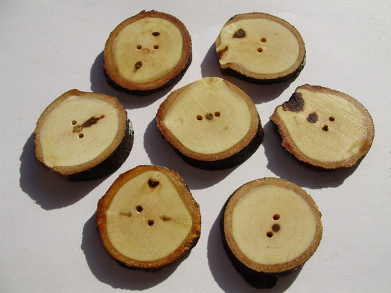 maple buttons - 7 pc. set -medium