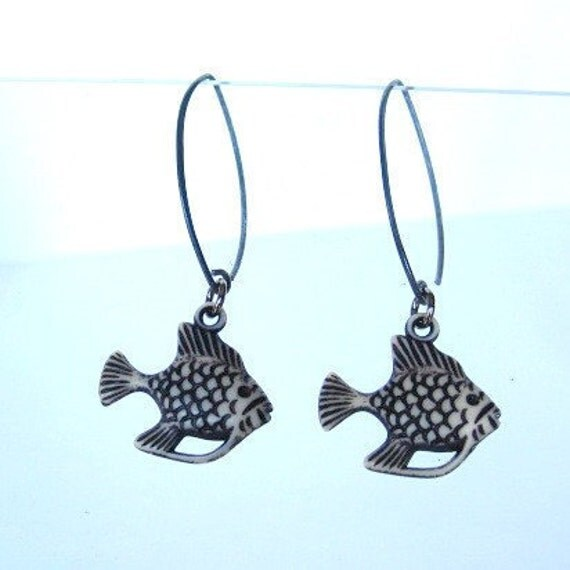 fish drop earrings, modern fish earrings, Sterling Silver earring wire dangle fish, pisces jewelry, summer fashion,