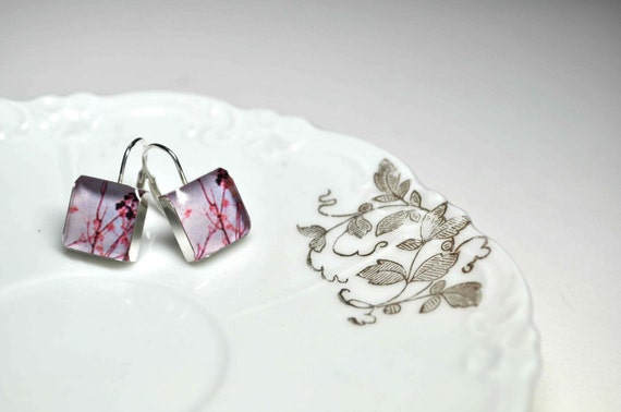 CANDY. Lever-back dangle earrings. (Sterling Silver)