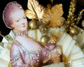 Eat Cake - MARIE ANTOINETTE Golden Cake top