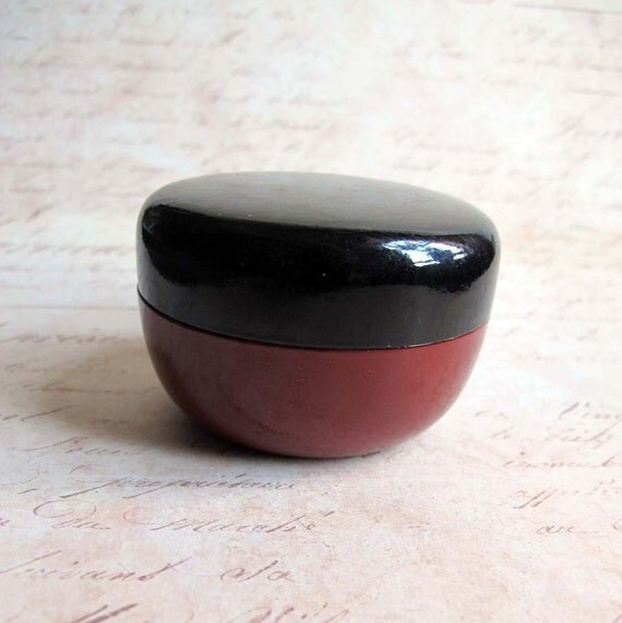 25% OFF Vintage 1970s Faux Lacquer Box Red Black Azuma Japan Import