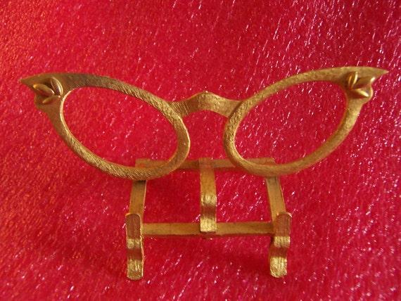Neat Cat Eye  Eyeglass Holder