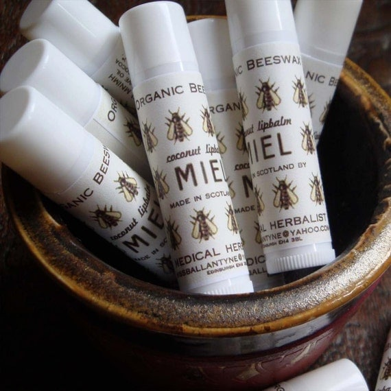Organic Beeswax and Natural Coconut Lipbalm 6g