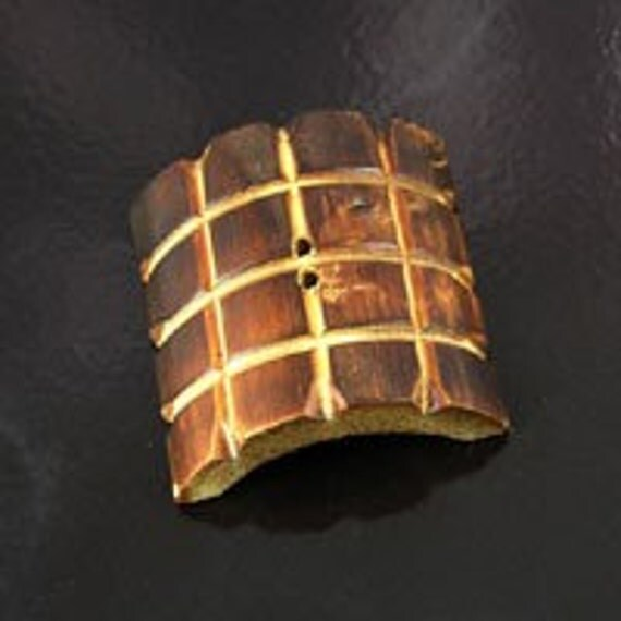 12 Bamboo Buttons, 38 mm LARGE Gridline, G1231
