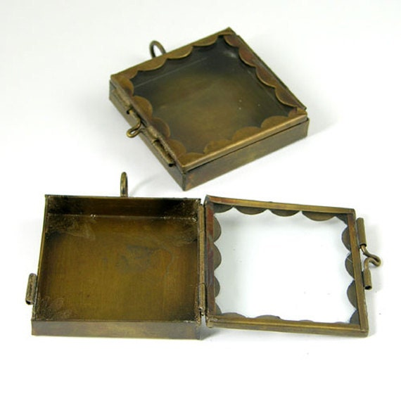 4 Our Glass Locket Shadow Box Postage Stamp Scallop Edge Square Vintage Brass Pendants, G2343.95