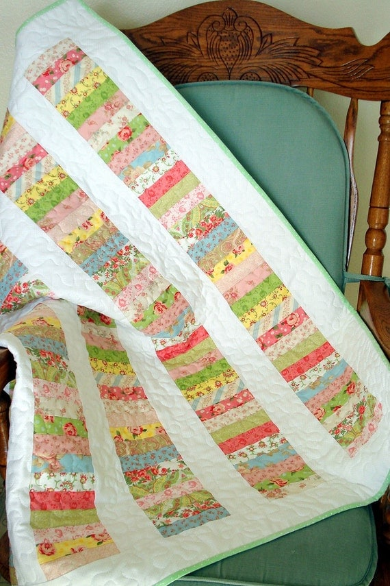 Stacked Coins Floral Baby Quilt