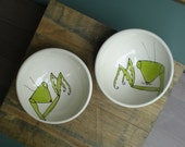 Mr. and Mrs. praying mantis bowls, ceramic insect ice cream bowl, hand drawn white and green bowl
