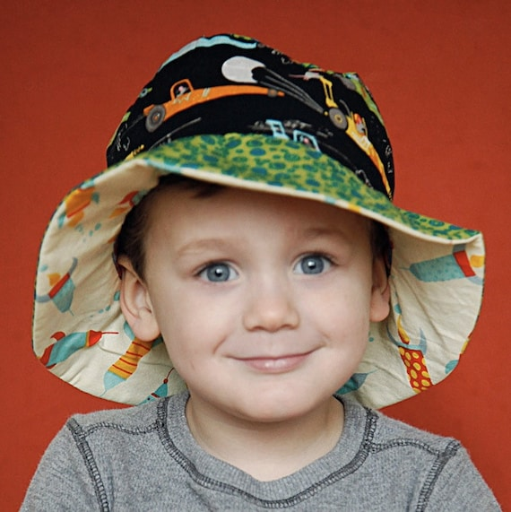 Sun Hat with Bucket Brim for Toddler Boys, Reversible with Cars and Rocketships