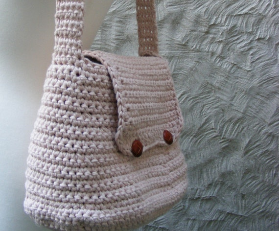 BAG CROCHET PATTERN - Crocheted Bag / Purse - Large with Flap and Button Closure - Very Easy