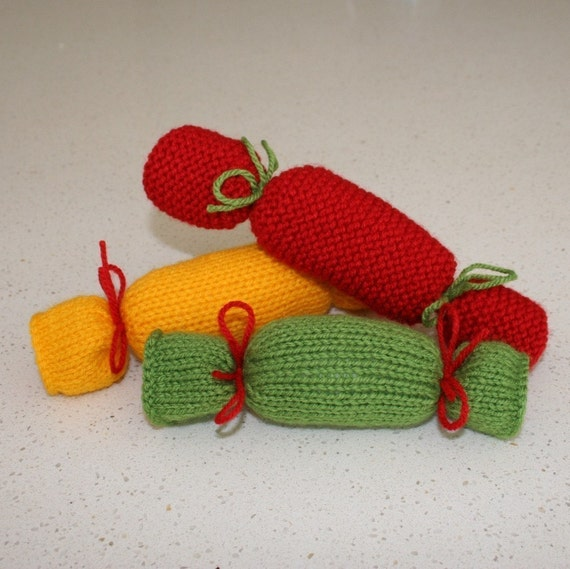 Christmas crackers or bon bons PDF KNITTING PATTERN
