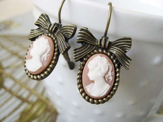 Victoriana Cameo Earrings Pink with Bow