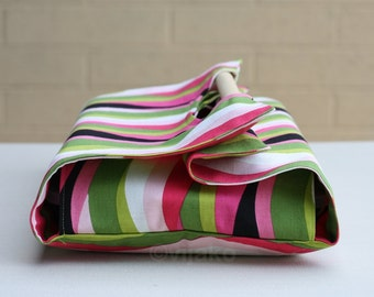 Swirly stripes casserole carrier