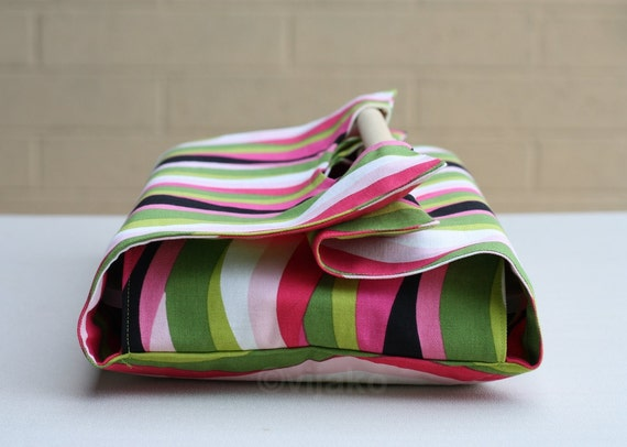 Swirly stripes casserole carrier