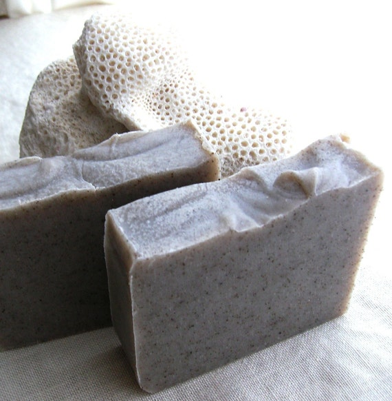 Rhassoul Clay Shampoo Bar with Rosemary and Basil for Oily Hair Types