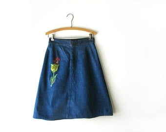SALE - vintage 70s skirt, dark denim skirt with calico flower patches, xs s