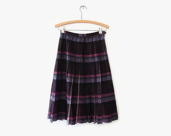 vintage 40s wool skirt, purple and pink plaid, size s