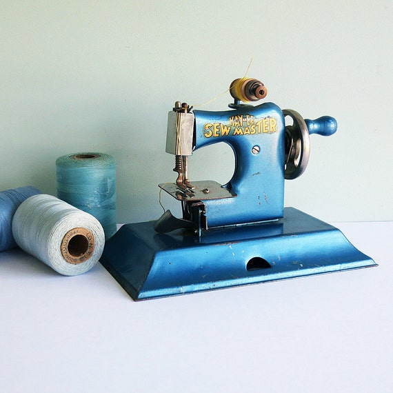 Tiny 1940s KAY-an-EE Sew Master Toy Sewing Machine in Blue