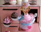 Fake Cupcake Retro Inspired Cupcake Queen Collection Madge Limited Edition Good Luck Cupcake Charm Original 12 Legs Concept