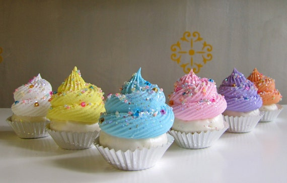 """Fake Cupcake Whimsy """"Wonderland"""" Collection Set 6 Mini Cupcakes Czech Sprinkles Can be Ornaments 12 Legs Original Design"""