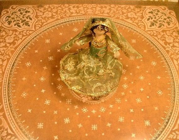Bollywood Clothespin Doll (Chandramukhi-inspired)