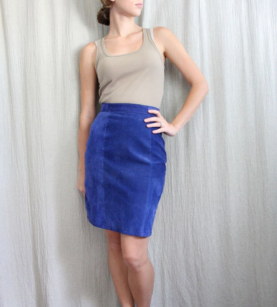 1980s vintage cobalt blue suede pencil skirt by advintagous