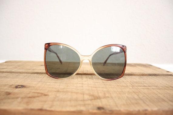 Vintage Oversized Sunglasses // 1970s Cateye Mod Retro Sun Glasses