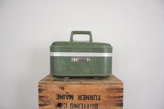 Vintage Train Case // Mid Century Avocado Green Luggage // Retro Chrome Suitcase