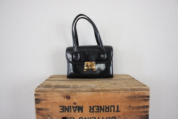 1950s Vintage Box Purse in Patent Black and Gold