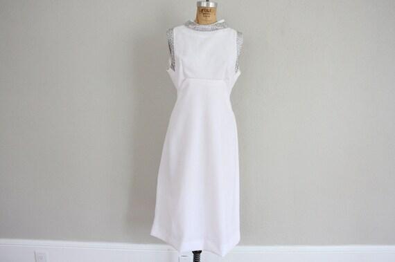 Mod Dress // 1960s White Cocktail Dress // Mid Century Modern Dress