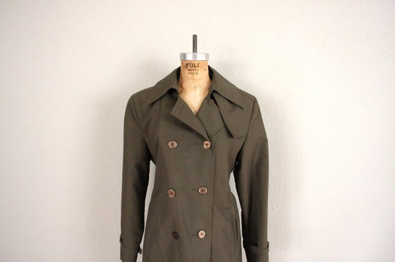 1960s Trench Coat // VIntage Mid Century Trench in Army Green
